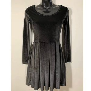 Talula Aritzia Black Velvet Dress Lambeth sz XS